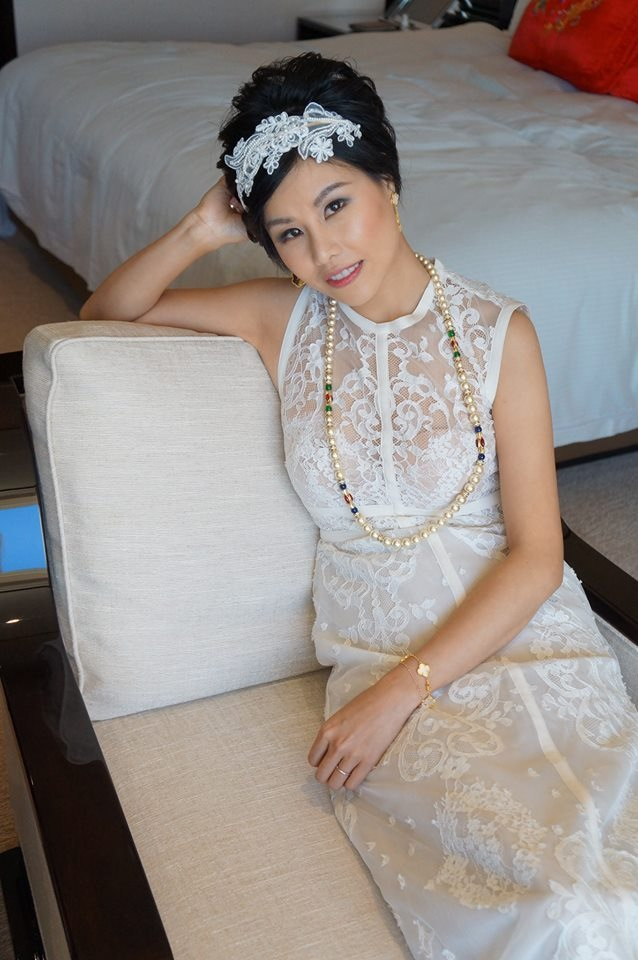 Vintage lace headband (@etsy),Vintage Dior Pearl Necklace (奶奶送),earrings and bracelets (by Van Cleef & Arpels)