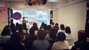 一時高興搞的吸引力法則 Workshop 卻變成了每月活動。由本來 3 場共 48 個位,到今天前後有 500 人輪後,是一個很大的鼓舞!我對PAA 懷孕Workshop 一樣有信心的!大家拭目以待!
