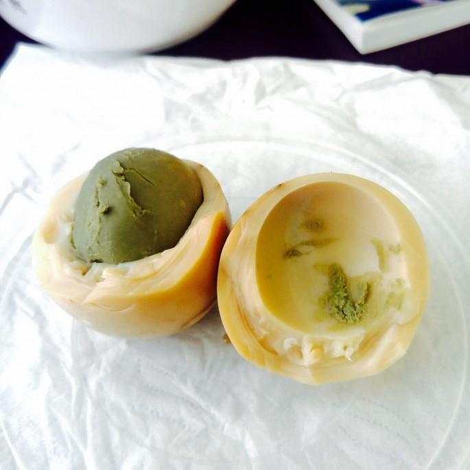 外表不行,那裡面呢?我不給評語了!據線人口供,味道好濃但就是用$5買到史前製作的茶葉蛋,很有歷史價值啊!
